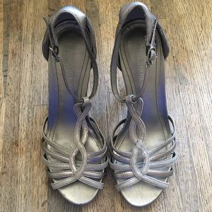 Kenneth Cole Silver Metallic Open Toe Heels Sz 7.5